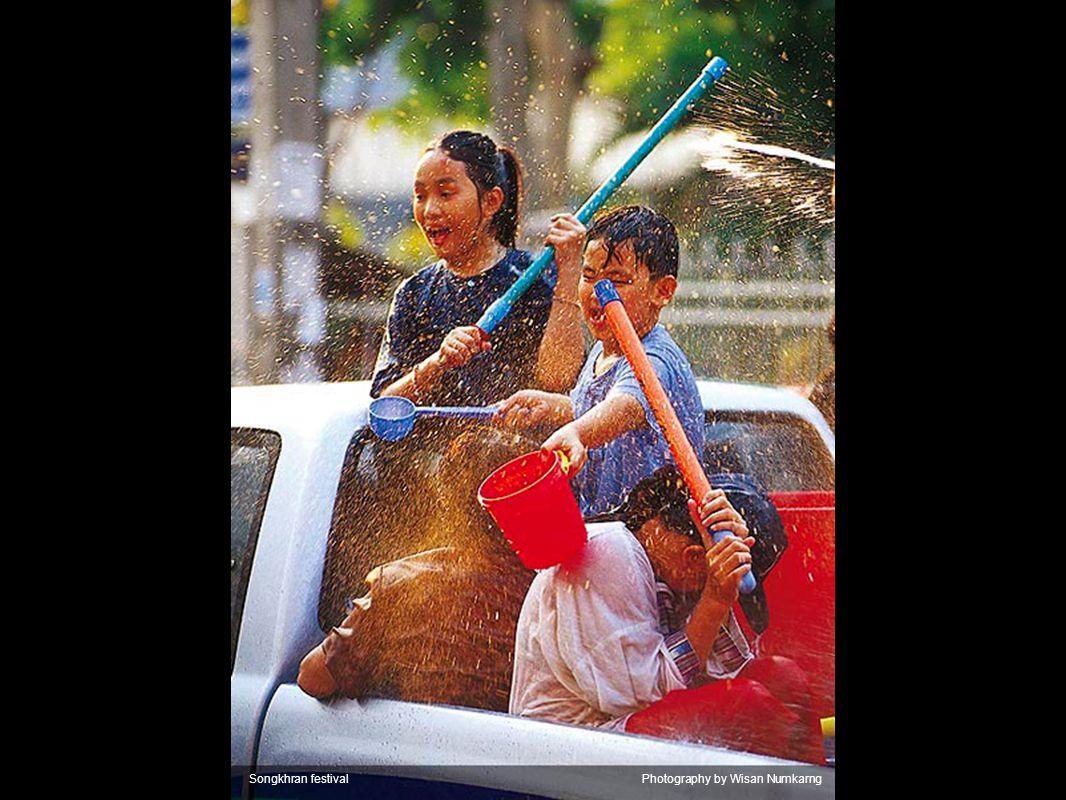 Songkhran festivalPhotography by Ittipon Elajakanon
