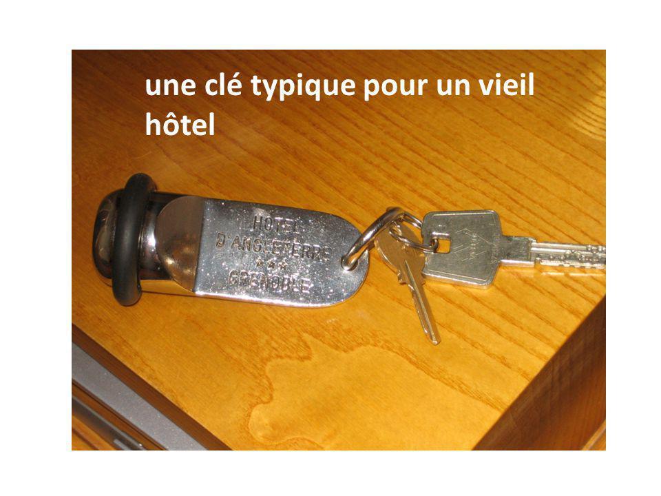 une clé typique pour un vieil hôtel