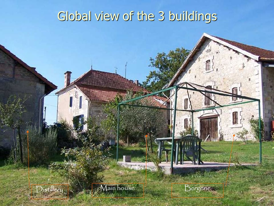 Global view of the 3 buildings Bergerie Distillery Main house
