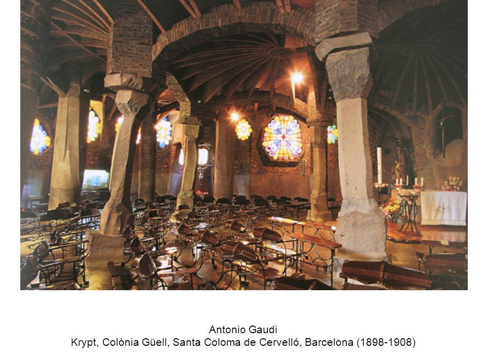 Antonio Gaudi Krypt, Colònia Güell, Santa Coloma de Cervelló, Barcelona (1898-1908)