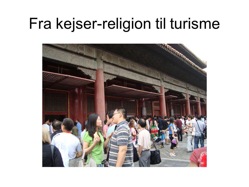 Fra kejser-religion til turisme