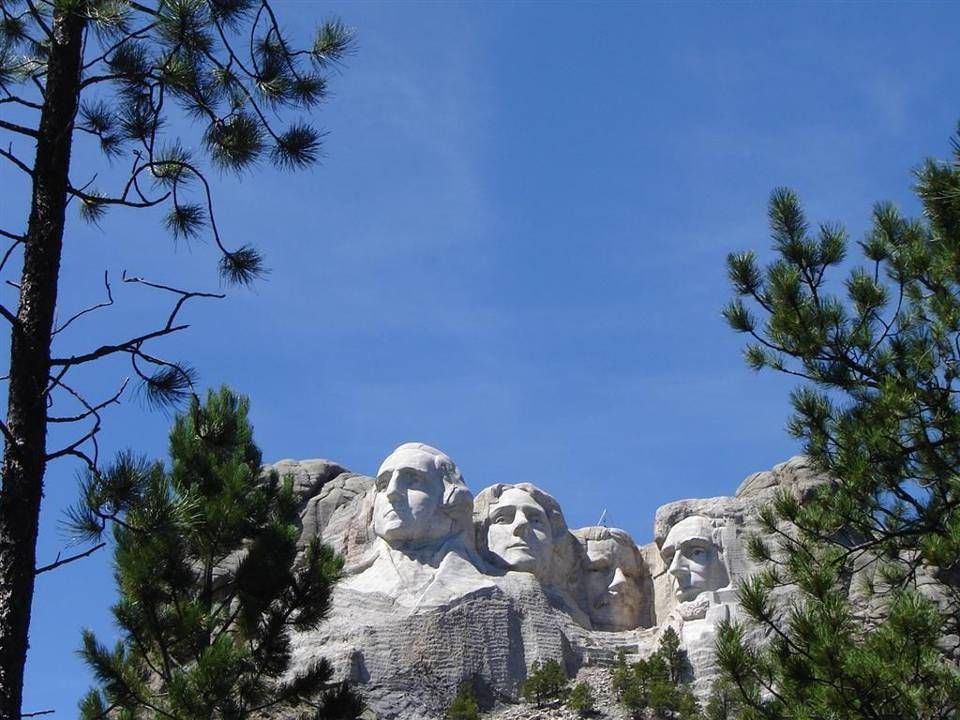 MOUNT RUSHMORE IN 2009, SEEN FROM FAR AWAY.