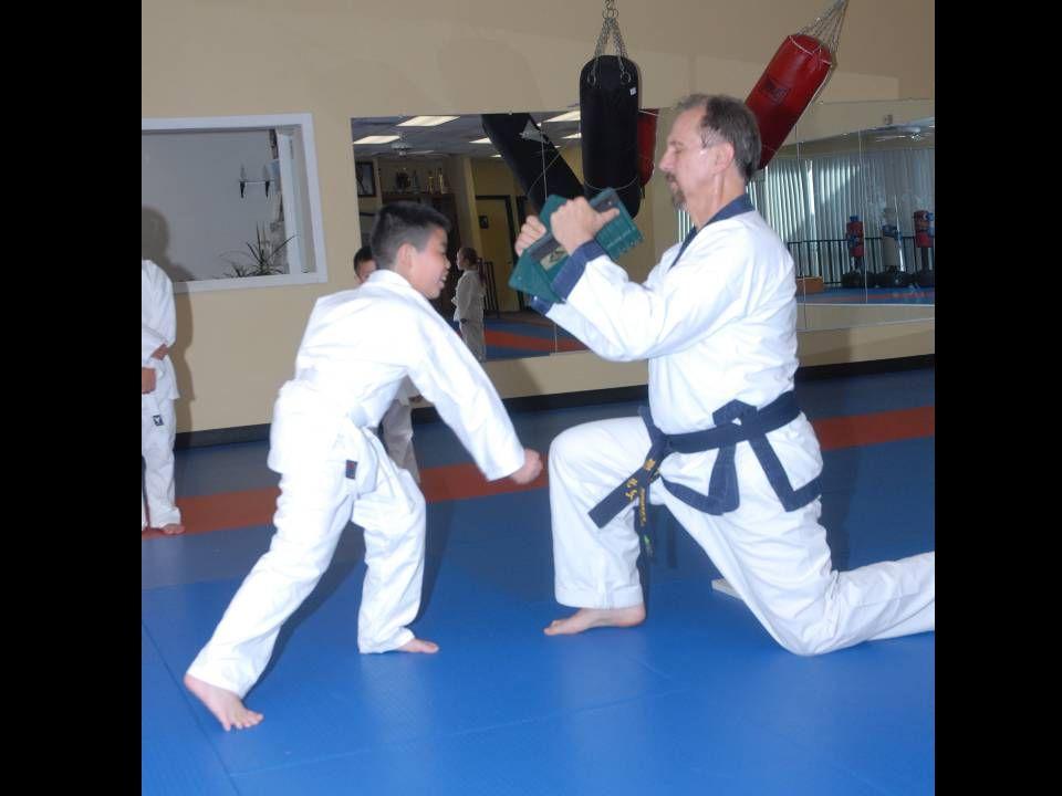 Kids class – John D breaking with Kwon Do