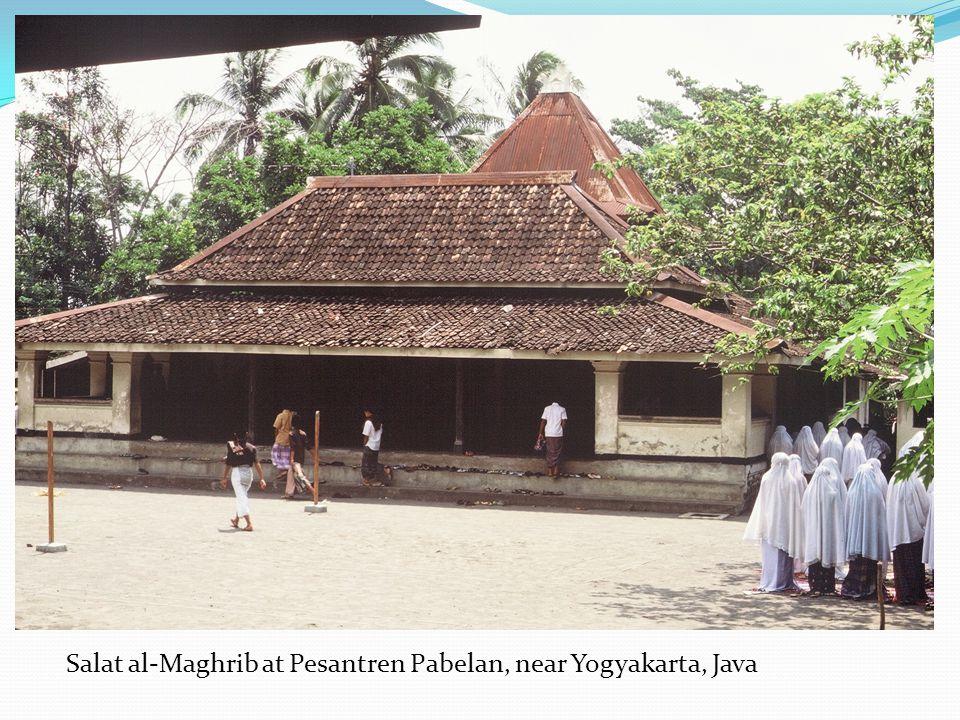 Salat al-Maghrib at Pesantren Pabelan, near Yogyakarta, Java