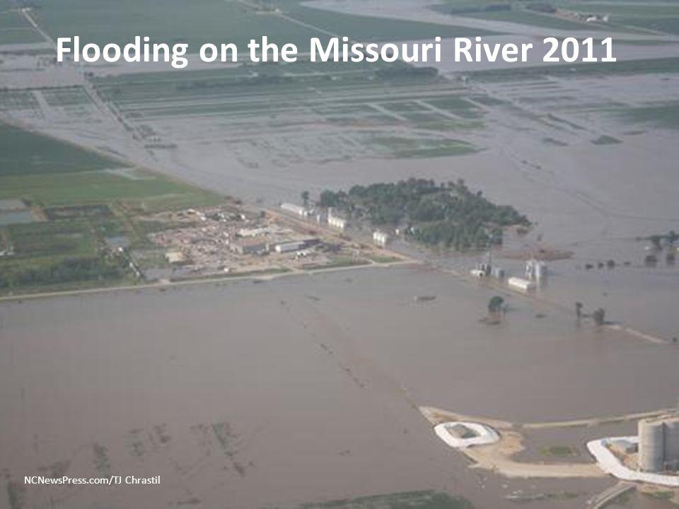 NCNewsPress.com/TJ Chrastil Flooding on the Missouri River 2011