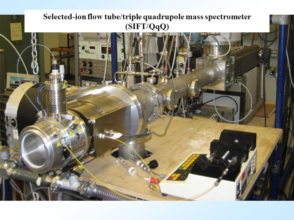 Selected-ion flow tube/triple quadrupole mass spectrometer (SIFT/QqQ)