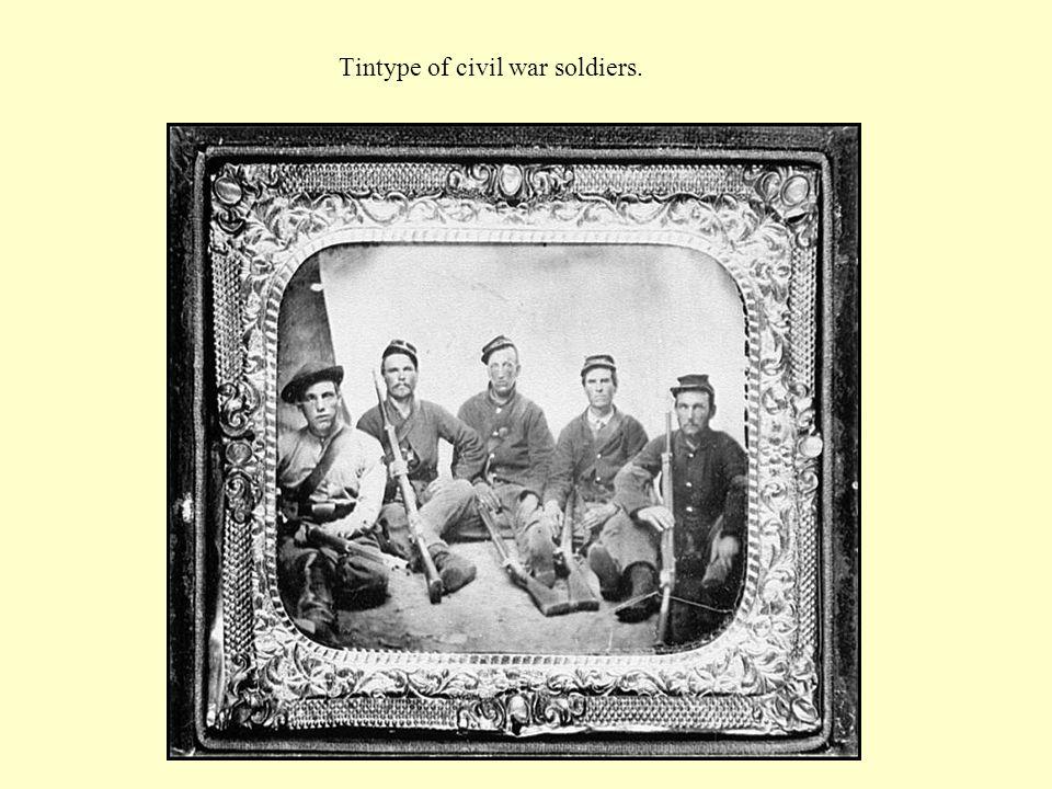 Tintype of civil war soldiers.