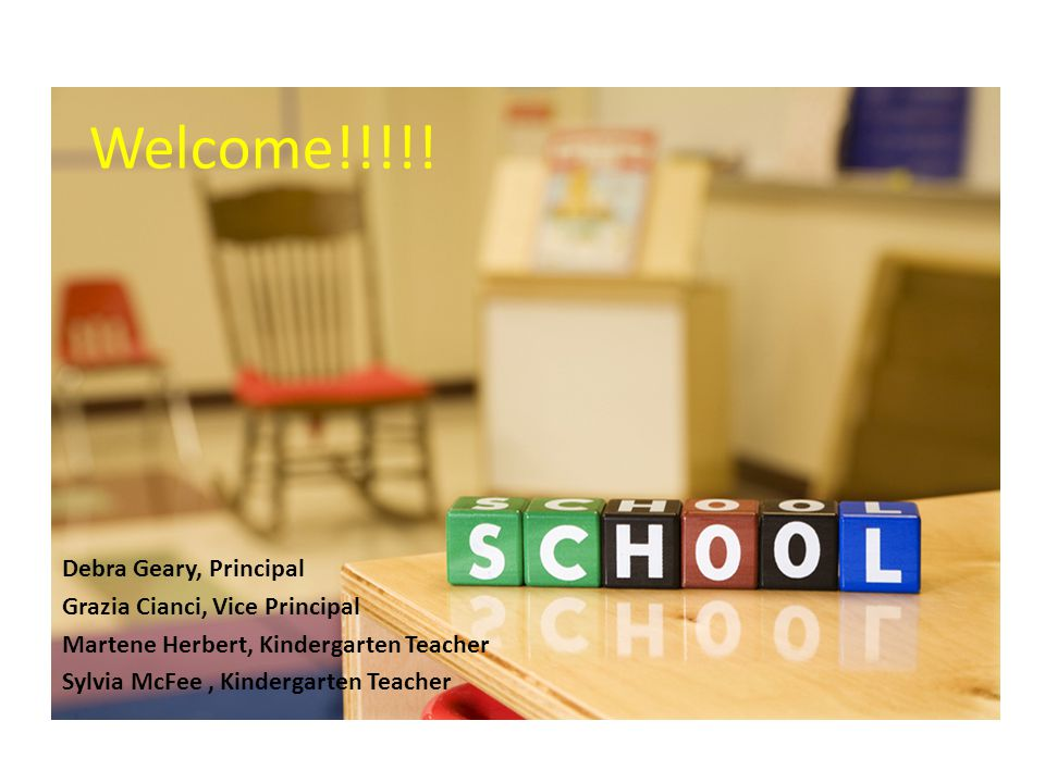 School Day Begins at 8:55 am Students can be dropped off as early as 8:40 am If students are in daycare, they are brought to the classroom 2 lunch breaks (20 minutes to eat, 20 -30 minutes to play outside each time) School ends at 3:15 pm.