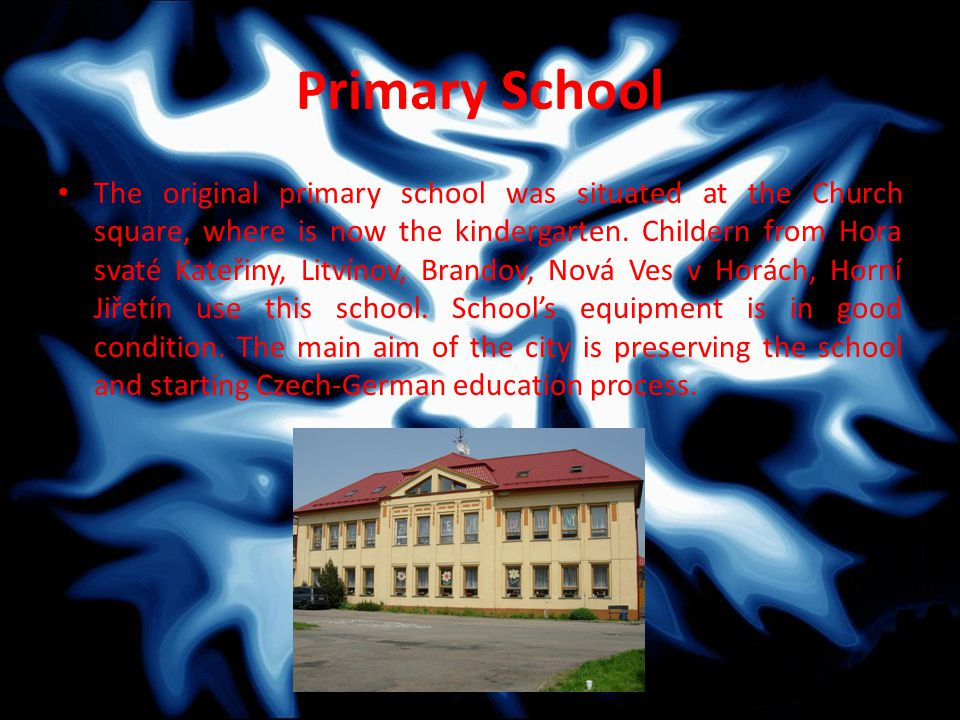 Primary School The original primary school was situated at the Church square, where is now the kindergarten.