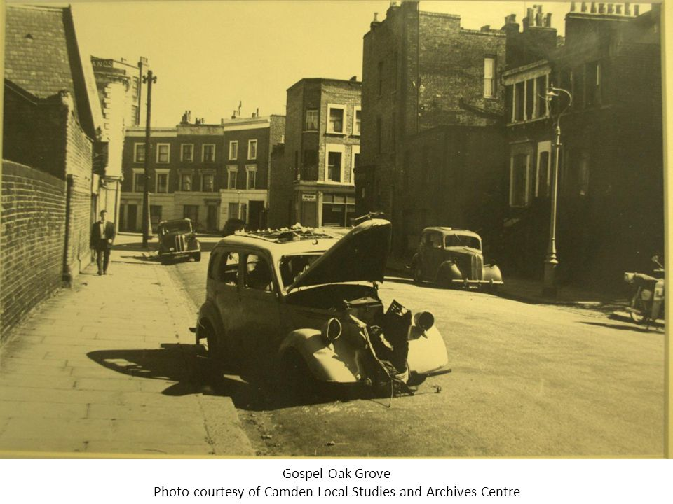 A street of empty houses on Lismore Road Photo courtesy of Camden Local Studies and Archives Centre