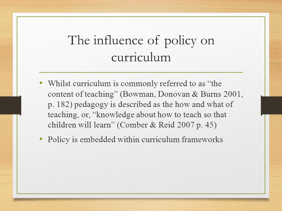 Example of curriculum descriptions and definitions in two curriculum documents Australian Early Years Learning Framework In the early childhood setting curriculum means 'all the interactions, experiences, activities, routines and events, planned and unplanned, that occur in an environment designed to foster children's learning and developments' (adapted from Te Wh ā riki ).