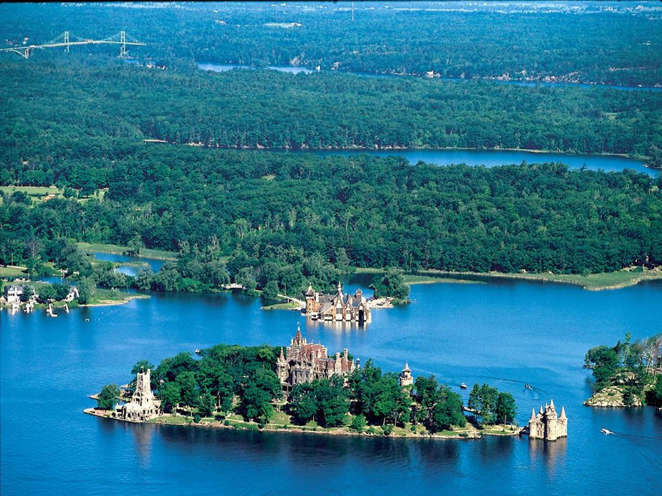 Do you know there are 1000 Islands between Canada and the USA? Here Ontario and the United States meet… their cultures blending in the waters of the m