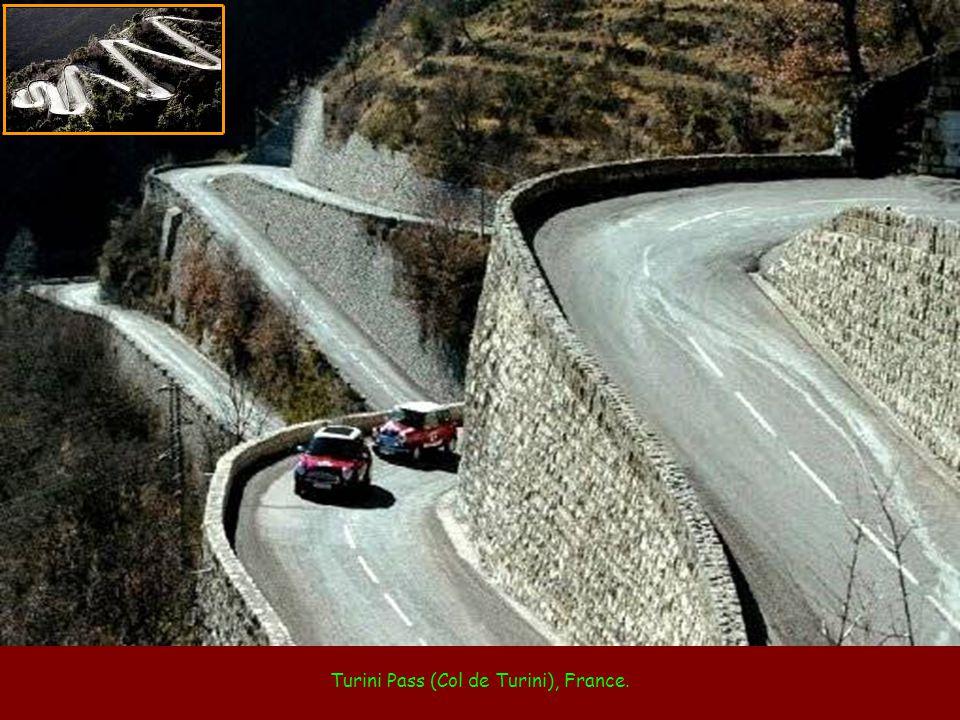 Paso de Stelvio (Stelvio Pass), in the Italian Alps.