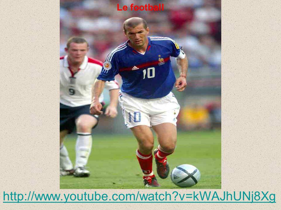 Le football http://www.youtube.com/watch?v=kWAJhUNj8Xg Le football