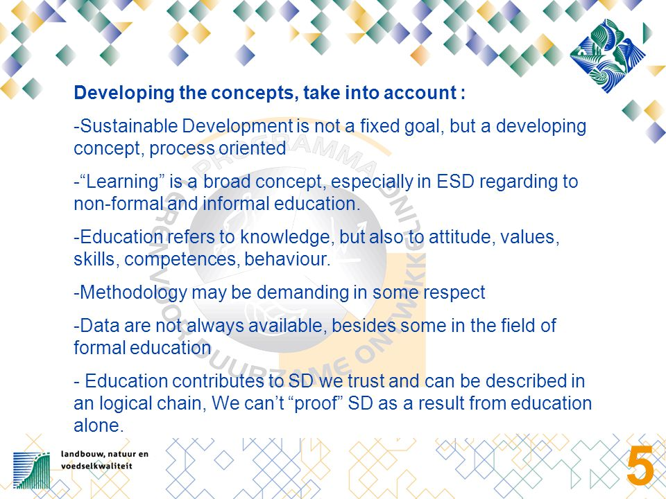 6 We look for an evaluation model that covers : a) the process of implementation b) The effectiveness of the implementation (as a qualitative feature of both the process and long-term effects of ESD).