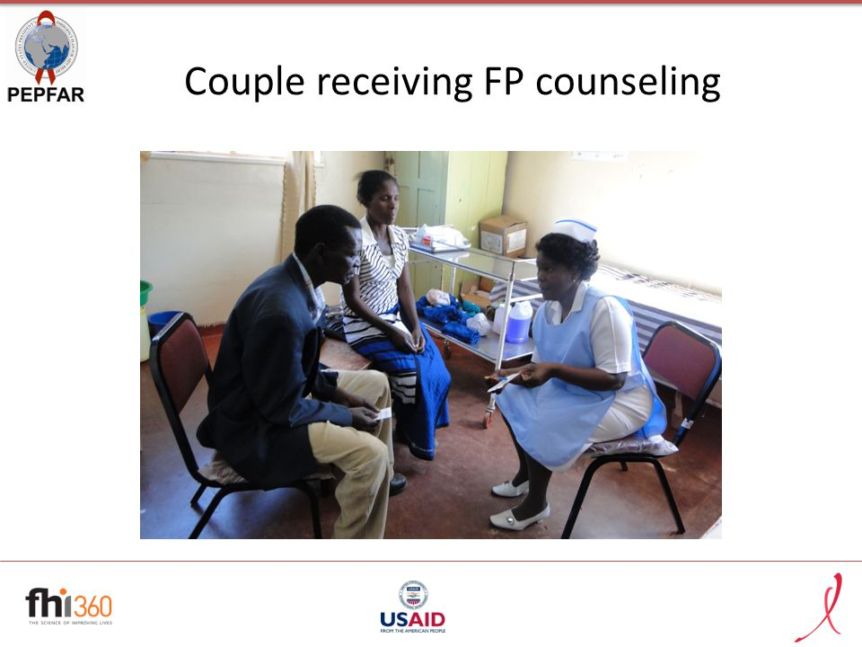 Couple receiving FP counseling