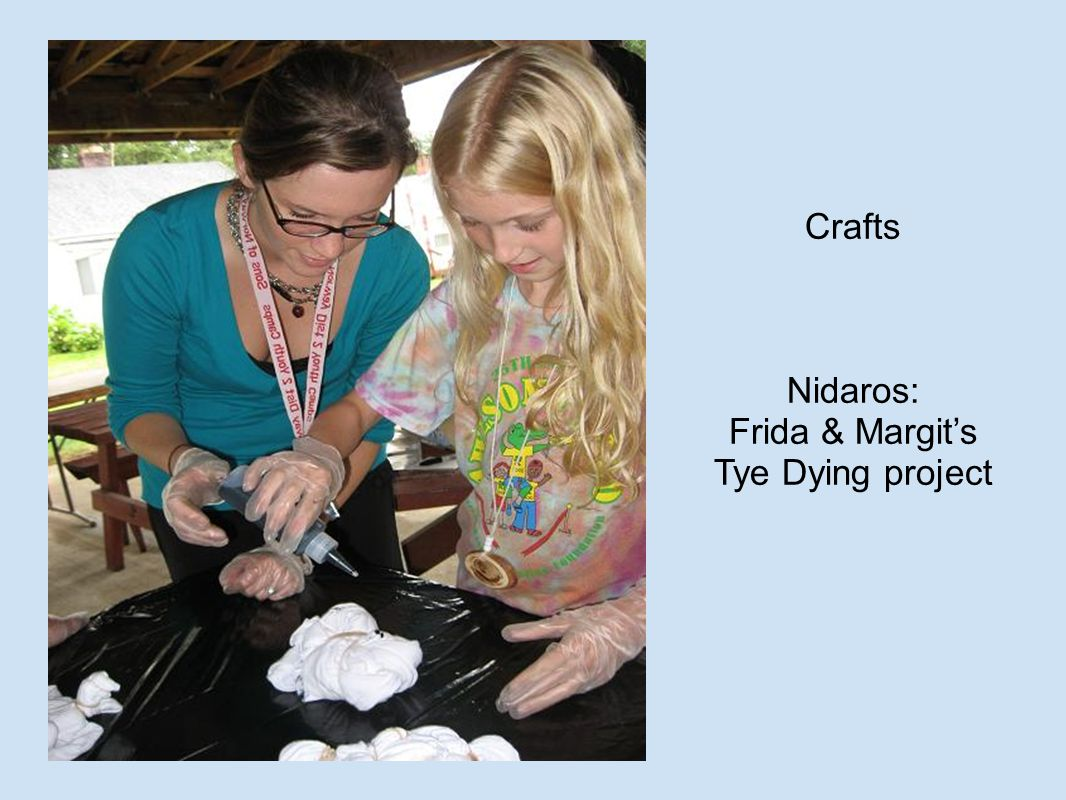 Crafts Nidaros: Frida & Margit's Tye Dying project
