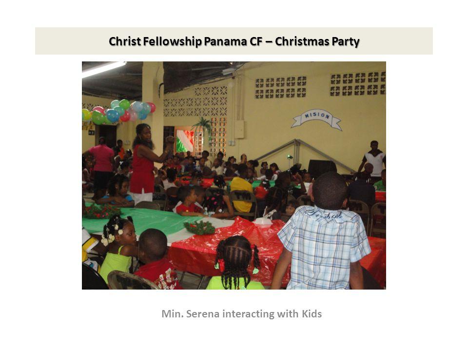 Christ Fellowship Panama CF – Christmas Party Min. Serena interacting with Kids