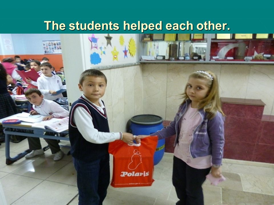 The students helped each other.