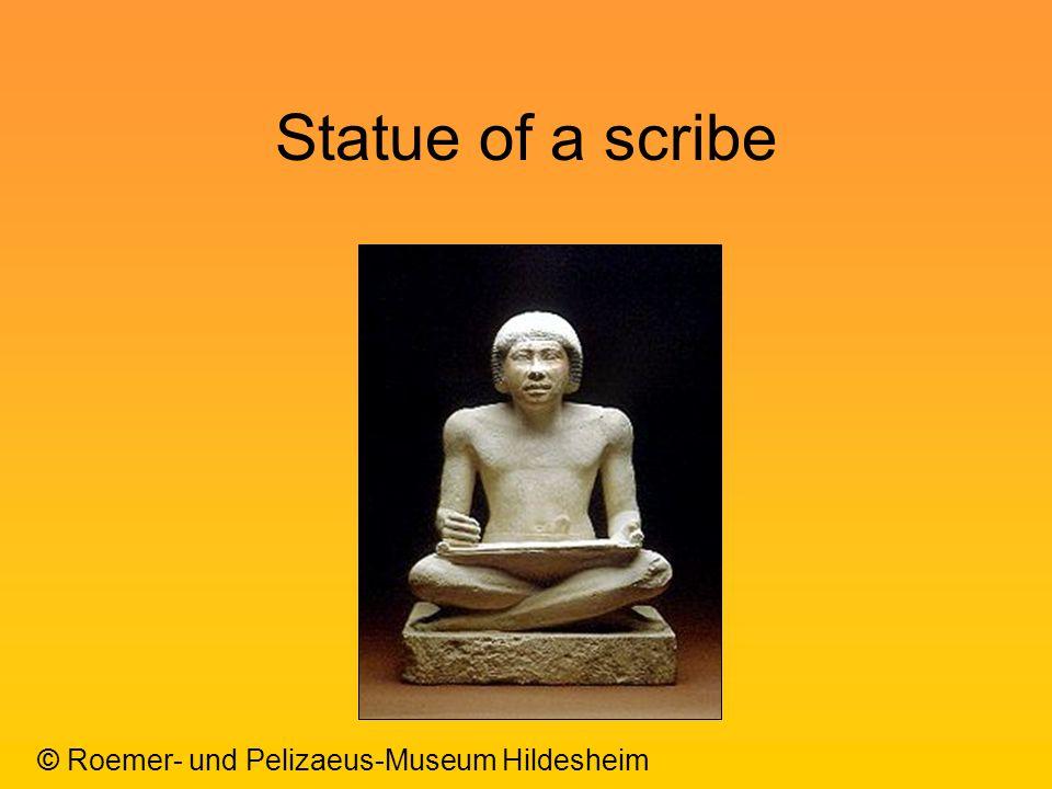 Statue of a scribe © Roemer- und Pelizaeus-Museum Hildesheim