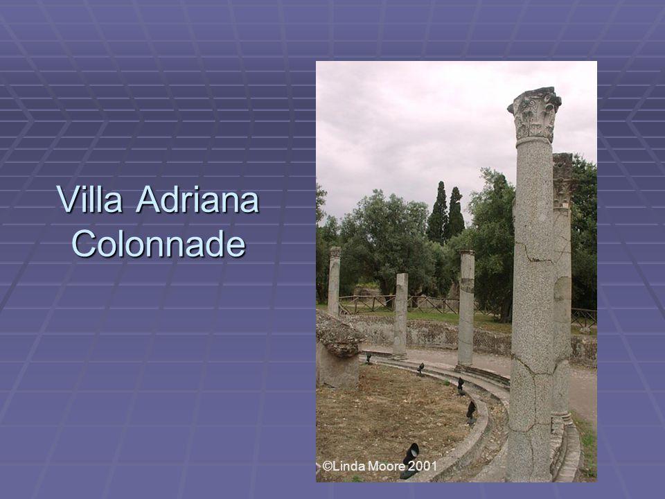 Villa Adriana Colonnade ©Linda Moore 2001
