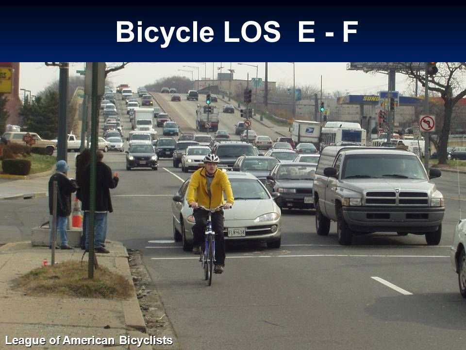 Bicycle LOS E - F Photo by SCI League of American Bicyclists