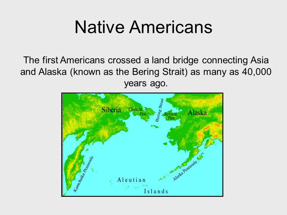 Native American Society Around 1492 At the time of Columbus' arrival, there were hundreds of different native groups living in all areas of North, Central and South America.