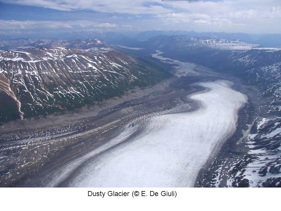 Dusty Glacier (© E. De Giuli)