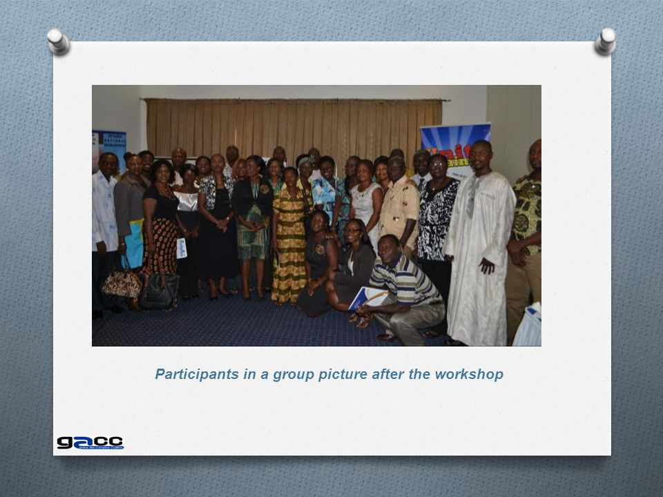 Participants in a group picture after the workshop