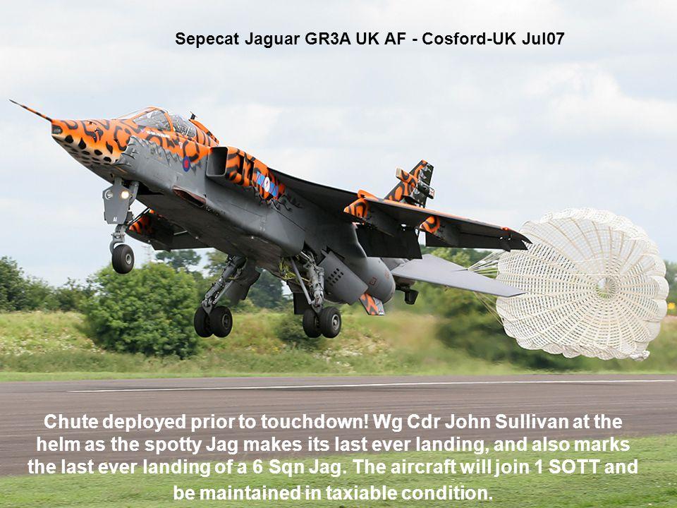 Sepecat Jaguar GR3A UK AF - Cosford-UK Jul07 Chute deployed