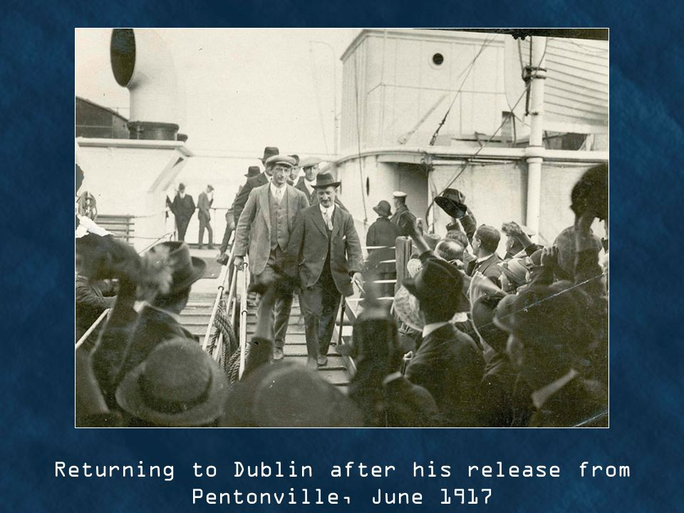 Returning to Dublin after his release from Pentonville, June 1917