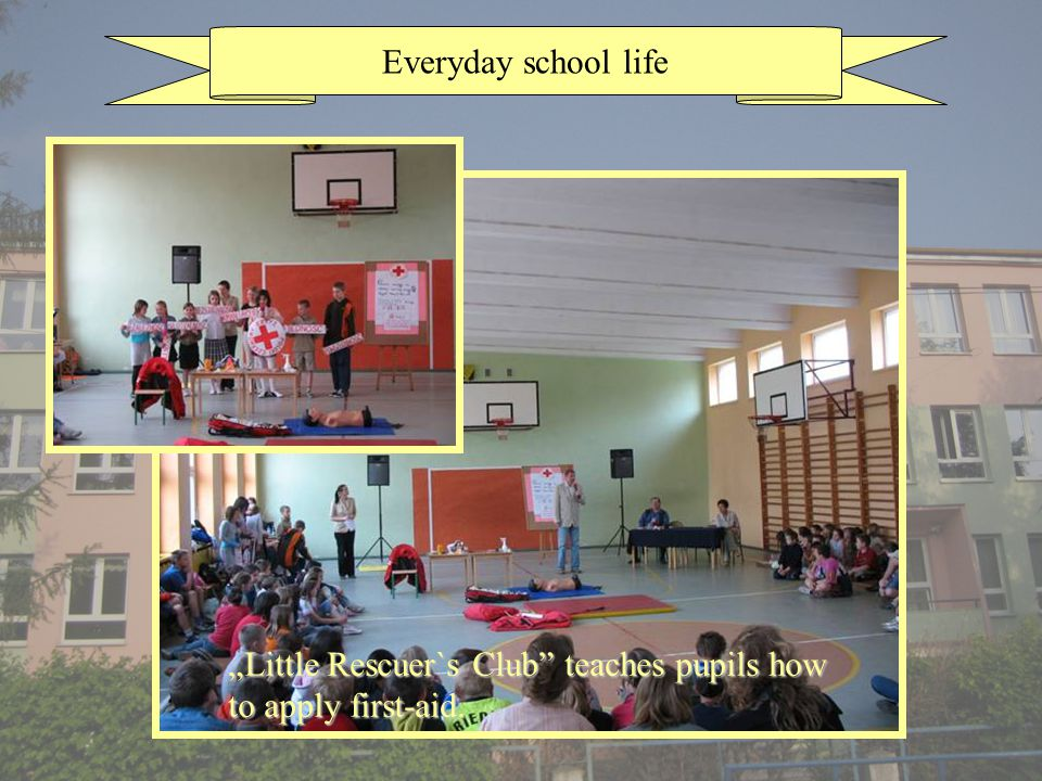 Everyday school life Little Rescuer`s Club teaches pupils how to apply first-aid.