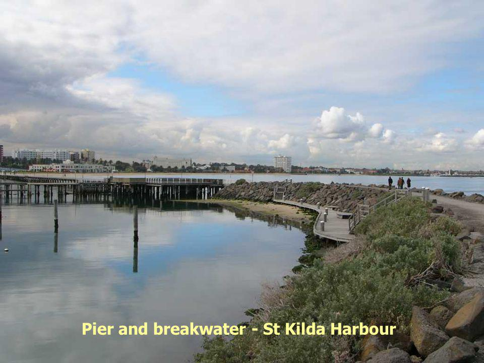 Pier and breakwater - St Kilda Harbour