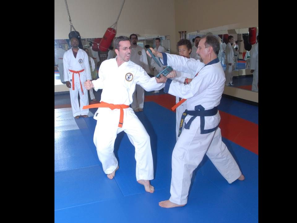 Adult class – Ben breaking with I-O block